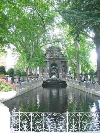 Bailey Alexander's fotos/Paris 2011/Medici Fountain